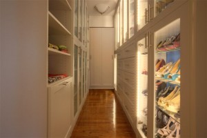 WalkIn Closet Narrow