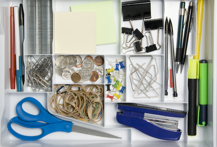 Tidy drawer with divider