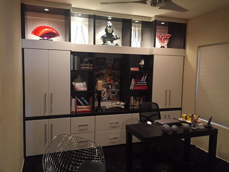 modern home office built-in