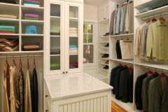 Custom Closet with Peninsula